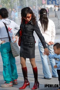 皮 裤 长 靴  402-细腿深红长靴,黑靴妈妈,撞包同行,色彩情侣,短肉 街拍第一站全网原创独发!