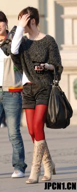 彩丝美女  485-短裤、白靴、红丝、美女[8P] 街拍第一站全网原创独发!