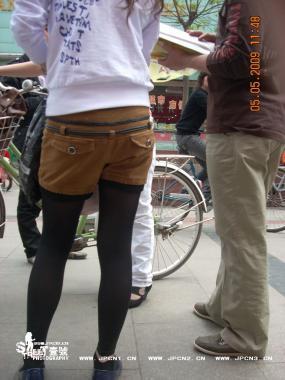 学 生 妹   学 生  妹妹的热裤 黑 丝 美腿,近距离拍摄,露脸[24P] 街拍第一站全网原创独发!