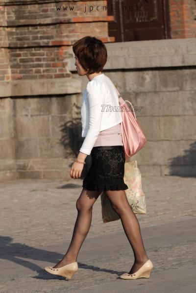 个 性 坡 跟  短发、黑裙、薄 黑 丝 、坡跟-17P 街拍第一站全网原创独发!