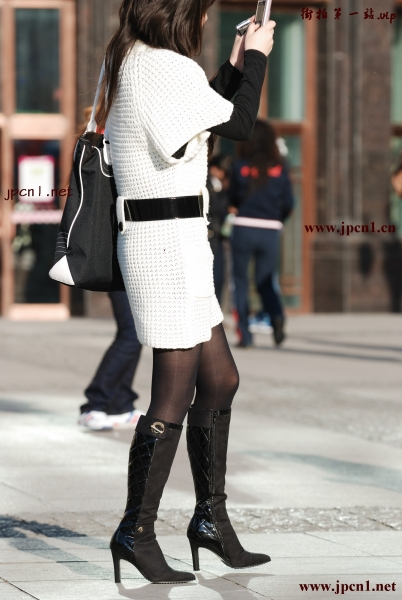 皮 裤 长 靴  白色毛线连衣裙、 黑 丝 、高跟黑长靴5-6P 街拍第一站全网原创独发!