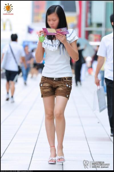 蓝风街拍  【蓝风512】 热裤 裸腿凉拖(8P) 街拍第一站全网原创独发!