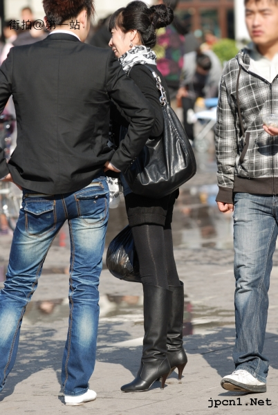 皮 裤 长 靴  厚黑 紧身裤、及膝长靴、骷髅丝巾-11P 街拍第一站全网原创独发!