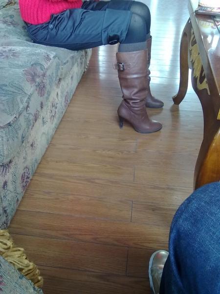 皮 裤 长 靴  QS牌清晰手机 申请帖之红衣长靴 街拍第一站全网原创独发!