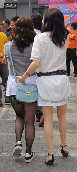 台湾街拍  庙会002-妈祖诞辰庆典-炉主的黑丝板鞋女儿,肉肉的,不喜勿入,, (7P) 街拍第一站全网原创独发!