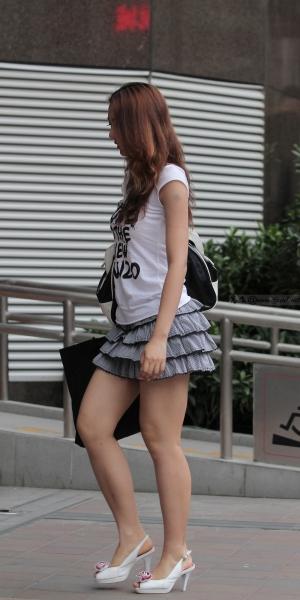 kofeezhao街拍  kofeezhao-白色衬衫 八折短裙 玉腿 白高跟[10P] 街拍第一站全网原创独发!