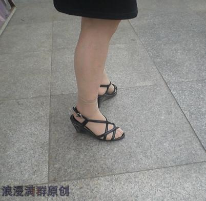 个性坡跟  黑裙,黑坡跟凉鞋,短肉丝!【6P】 街拍第一站全网原创独发!