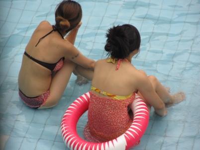泳 装 美 女  【女大 学 生  】泳池篇-女双(1)【11P】 街拍第一站全网原创独发!