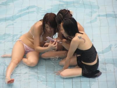 学生妹  【女大学生】泳池篇-女混【7P】 街拍第一站全网原创独发!