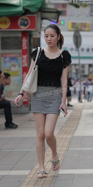 kofeezhao街拍  kofeezhao-两双玉腿[14P] 街拍第一站全网原创独发!