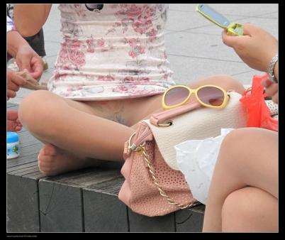 流浪联盟街拍  【Edison】无内旗袍肉丝女郎(7P) 街拍第一站全网原创独发!
