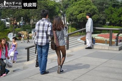 平底帆布  [铁皮哥复兴] 棕色超短裙!棕色 丝 袜 !高帮帆布鞋!超细长腿!【9P】 街拍第一站全网原创独发!