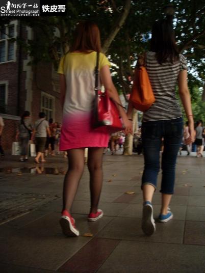 平底帆布  【铁皮哥】薄 黑 丝 帆布鞋小 美 女 【8P】 街拍第一站全网原创独发!