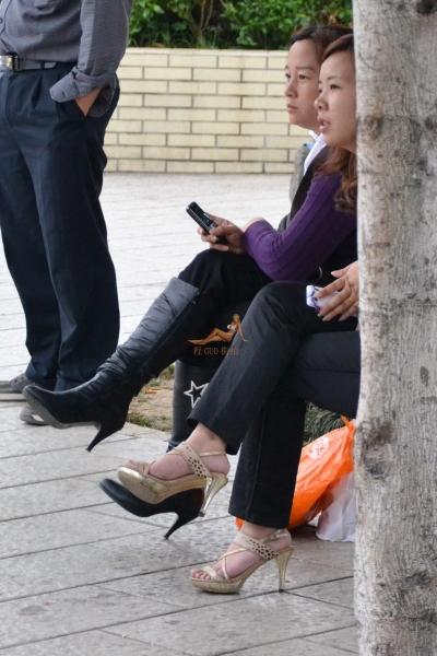 豹 纹 美 女  金色豹纹 高跟鞋特写[37P] 街拍第一站全网原创独发!