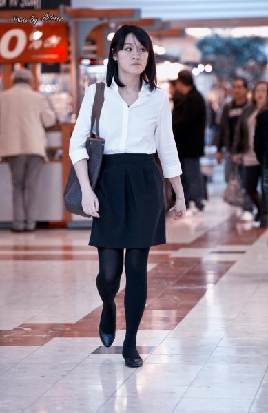 OL制服  大家新年好,商场抓拍黑丝平底鞋OL, 一种优雅简约的美 6p 街拍第一站全网原创独发!