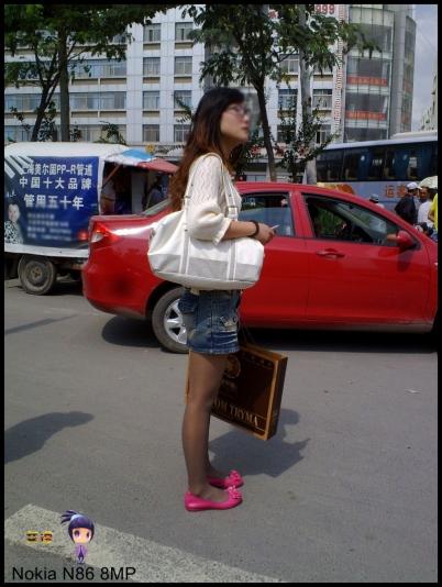 平底帆布  艾德 --灰丝篇之牛仔裙平底鞋眼镜女--{17P} 街拍第一站全网原创独发!