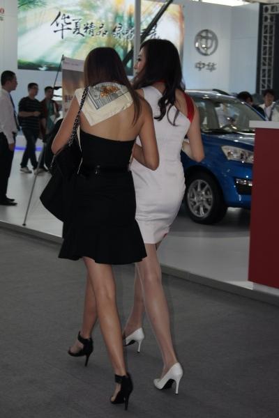 OL 制 服  【cuicui1221】丝女, 肉 丝 女,长腿 肉 丝 女,你一定HOLD不住的! 【9P】 街拍第一站全网原创独发!