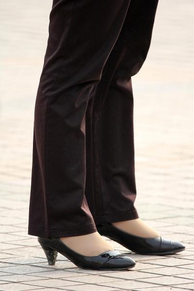 丝袜美足  口味重吗?街拍熟女的丝足也是春!(9P) 街拍第一站全网原创独发!