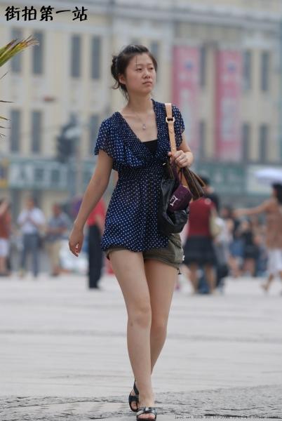 短裙美女  2003-4p 街拍第一站全网原创独发!