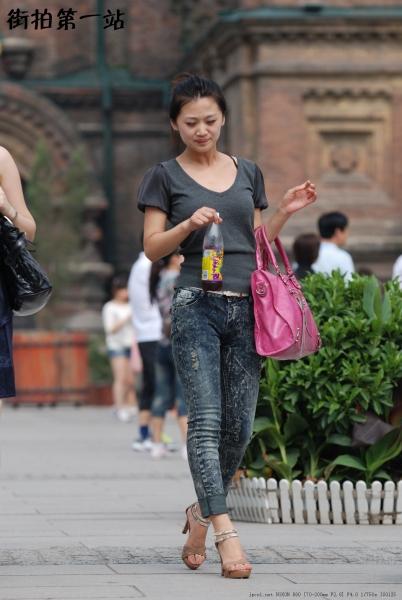 牛仔裤美女  2015-7p 街拍第一站全网原创独发!