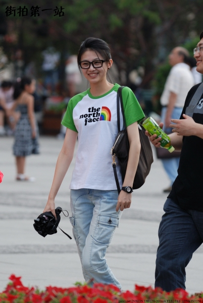 学生妹  2209-8p 街拍第一站全网原创独发!