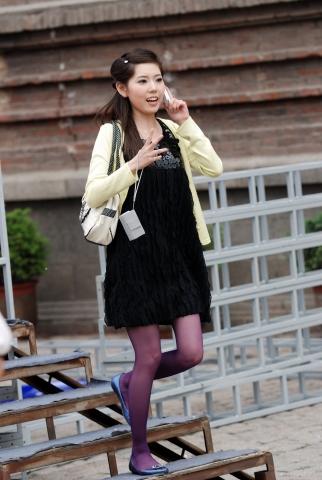 彩 丝 美 女  彩丝 紫丝  美 女   丝 袜 -6P 街拍第一站全网原创独发!