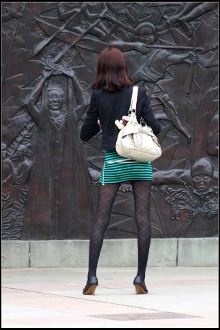 早期街拍作品  这叫什么短裙?连裆部都露在外面!!!上【15P】 街拍第一站全网原创独发!