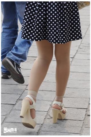 第九十九页纸街拍  【99】波点裙.白丝.凉鞋(10P) 街拍第一站全网原创独发!