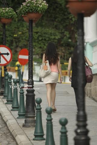 早期街拍作品  【ys327-photos】我只能说,这是一个很清纯的肥TUN 白腿妞-12P 街拍第一站全网原创独发!