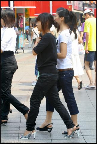 学 生 妹  东门散拍、时尚集锦 (O)...........9P 街拍第一站全网原创独发!
