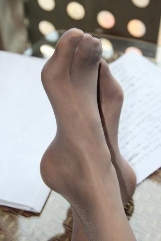 丝 袜 美 足  那天她去机场接我之后   丝 足 、足弓 完结季[27P] 街拍第一站全网原创独发!