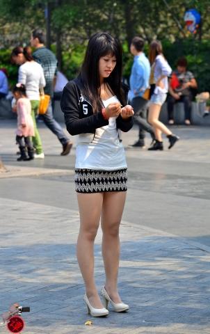 经典作品集  (谭氏原创)  靓丽肉丝高跟美眉!-12P 街拍第一站全网原创独发!