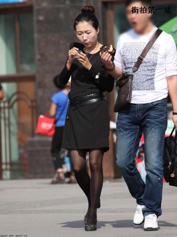 短裙美女  长袖连衣裙、黑丝-8P 街拍第一站全网原创独发!