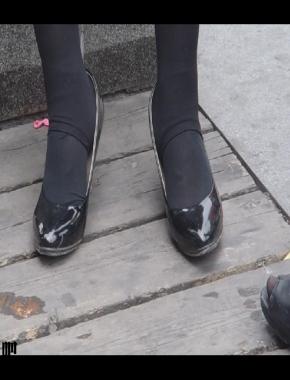 美 腿 视频  cctvb出品  黑 丝 高跟鞋MM 街拍第一站全网原创独发!