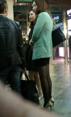 丝 袜 视频   美 女 模特的包TUN 裙 黑 丝 大长腿 街拍第一站全网原创独发!