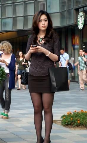 丝 袜 视频  老外搭讪 黑 丝 美腿美 街拍第一站全网原创独发!