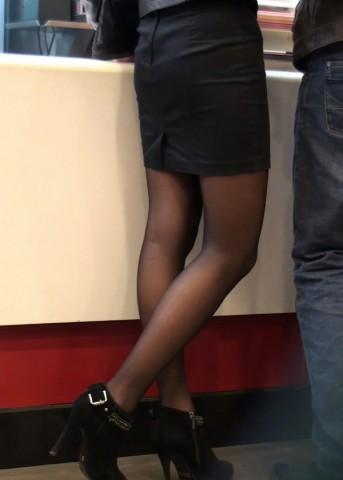 丝袜视频  黑丝黑色包臀美女 街拍第一站全网原创独发!
