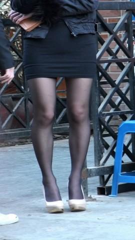 丝袜视频  黑色包臀美女露档黑丝 街拍第一站全网原创独发!