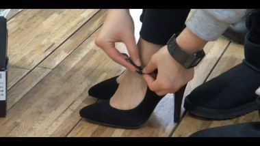 丝 足 视频  kljwlfw超正 美 女 试鞋足底大餐,最终 丝 足 登场 街拍第一站全网原创独发!