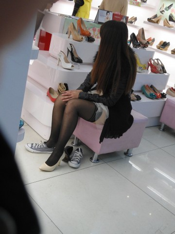 戴院街 拍 丝 袜  鞋店时光12——11P 街拍第一站全网原创独发!