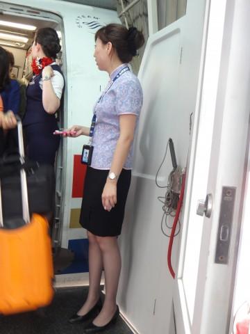 [权限要求: 月份VIP以上]  长安一二之美丝派参赛第2贴-迷人的东航地勤小姐丝袜(11P) 街拍第一站全网原创独发!
