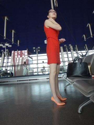 [权限要求: 月份VIP以上]  参赛+长安一二+第2帖+浦东机场拍摄两个美女(下)20P 街拍第一站全网原创独发!