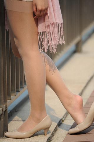 [权限要求: 月份VIP以上]  [霸气兔兔]参赛第二十一帖 裸色高跟丝袜美腿(10P) 街拍第一站全网原创独发!