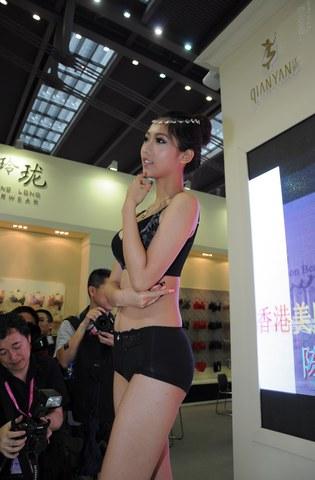 2012深圳内衣展  2012深圳内衣展-----7 街拍第一站全网原创独发!
