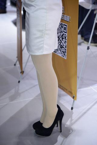 早期街拍作品  2013长沙车展(四十七) 丝 袜 美腿集锦(6p) 街拍第一站全网原创独发!