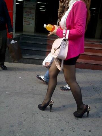 [权限要求: 月份VIP及以上]  助兴+高跟诱惑+美XIONG 黑裙 黑 丝 黑高跟 美 女 17P 街拍第一站全网原创独发!