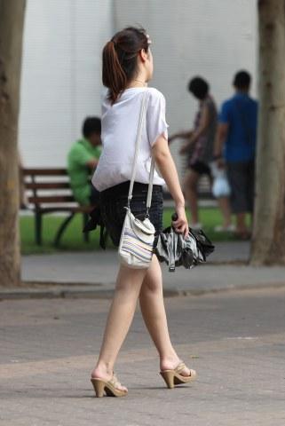 【山川圭】夏日靓影之肌肤雪白的热裤美眉(11P)--下