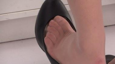 高跟视频  cctvb出品 高跟鞋里的极薄诱惑肉丝脚丫!!(512MB、1080P) 街拍第一站全网原创独发!