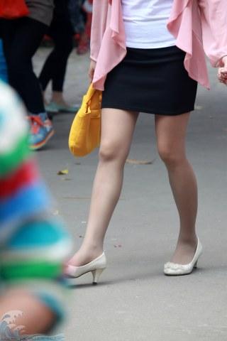早期街拍作品  【长江2013高清】——穿肉丝够女神吗?【14P】 街拍第一站全网原创独发!