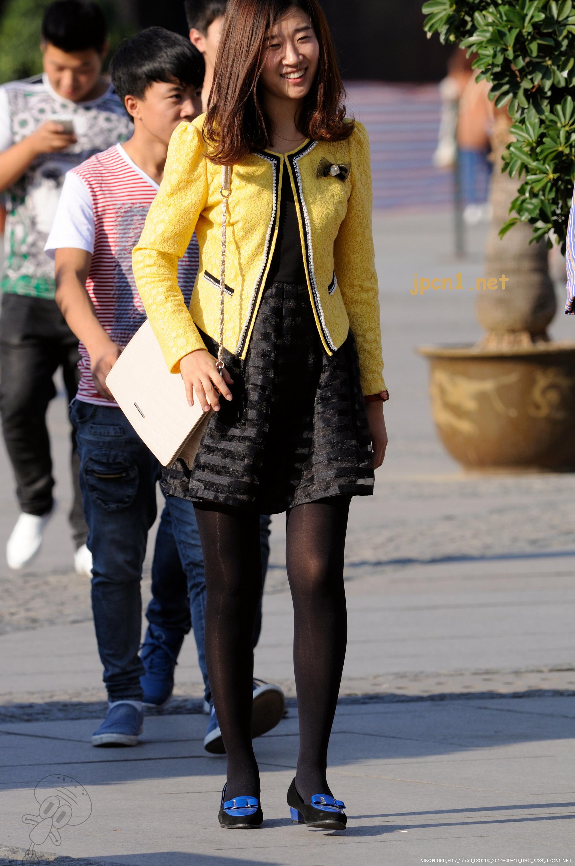 双黑丝+紧身牛仔裤-11张 - VIP街拍图片发布- 街拍第一站